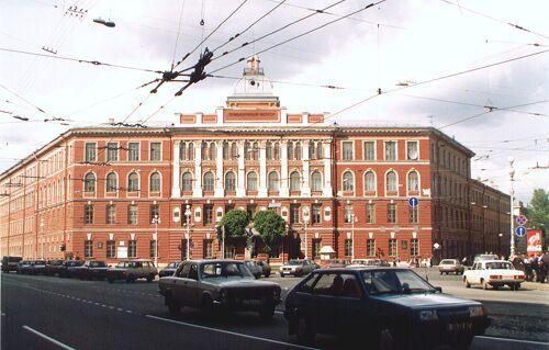 26. Russia. 1 км от центра (Санкт-Петербург) Мир / Россия